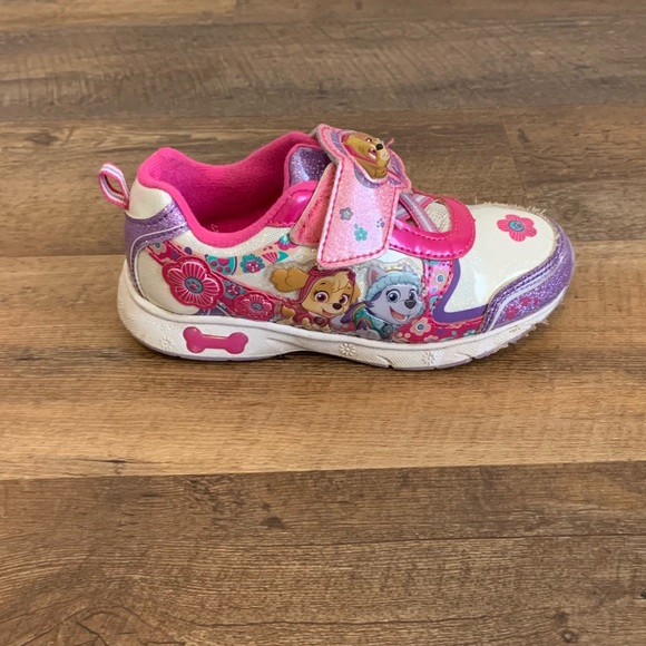Paw Patrol Girls Light Up Shoes Size 2